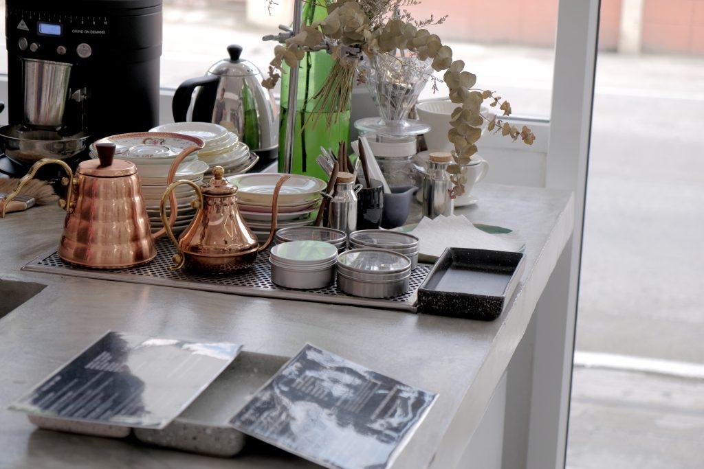曼谷幸福之一,是晚起吃一份白色小清新早午餐|High Coffee Roaster & Patisserie Skills @MENS 30S LIFE