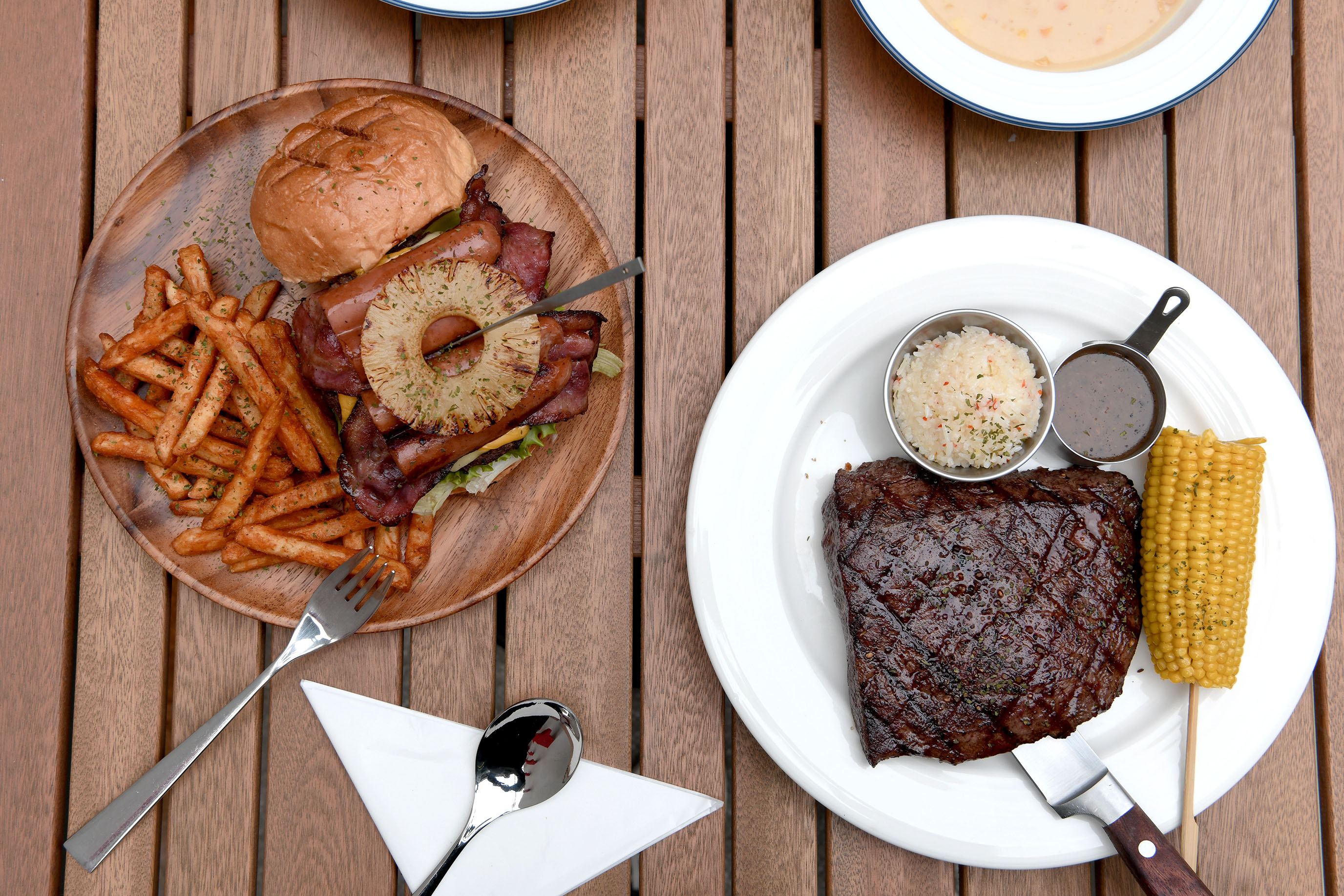 滿足台北日常的豐富牛排與漢堡|史坦利美式牛排 台北敦化店