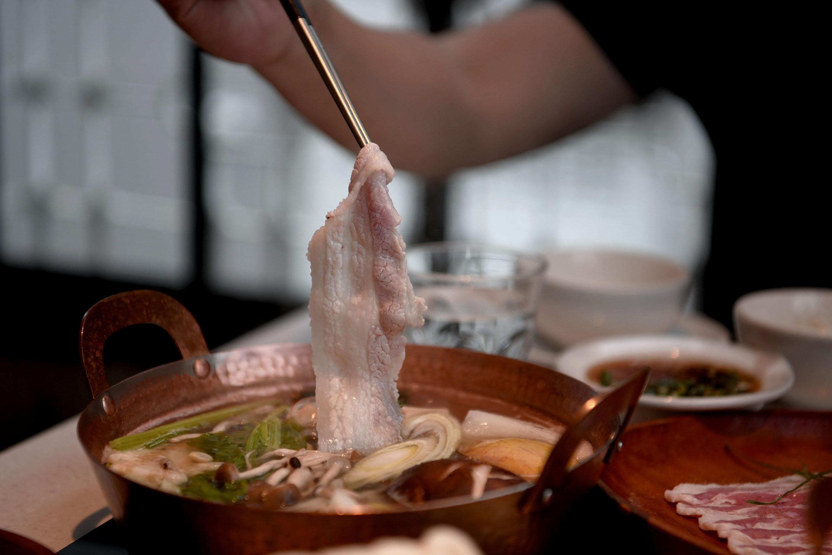 毛房 蔥柚鍋 ·冷藏肉專門