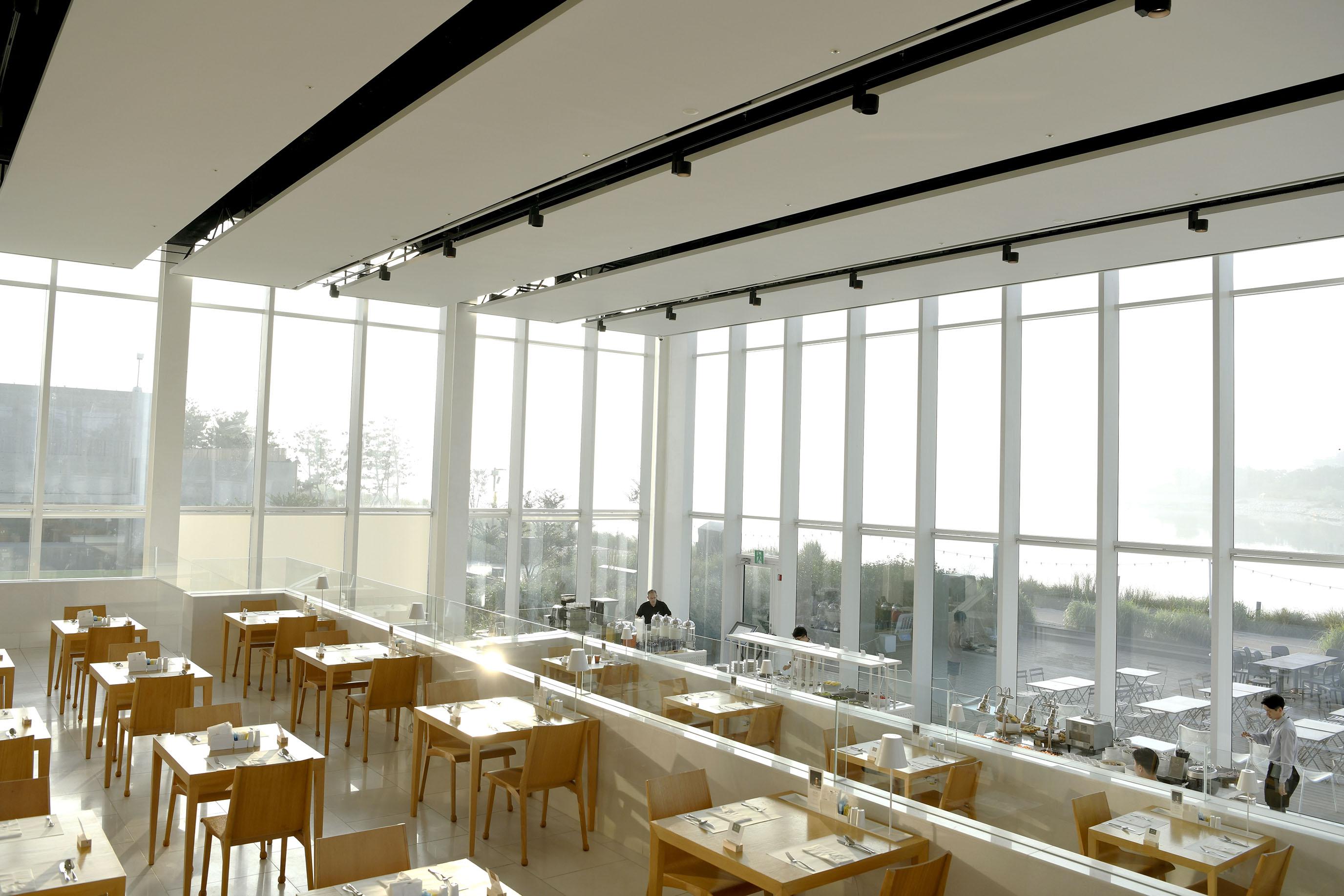 網站近期文章:午前班機不再睡眼惺忪,享受與陽光為伍的玻璃屋早餐|仁川鳥巢飯店 nest hotel incheon