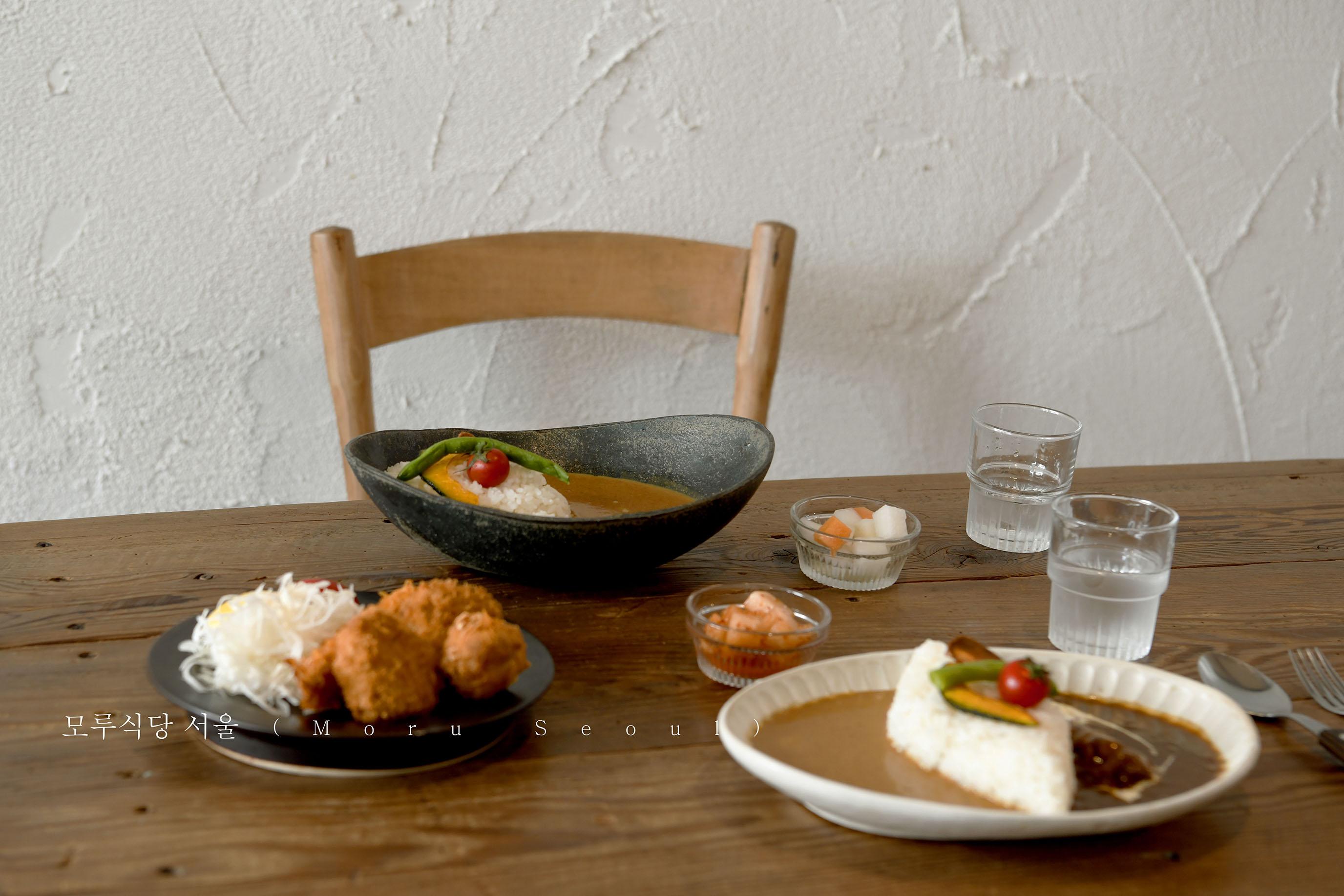 網站近期文章:首爾市裡,有一間裝滿溫暖幸福的咖哩食堂|Moru Seoul