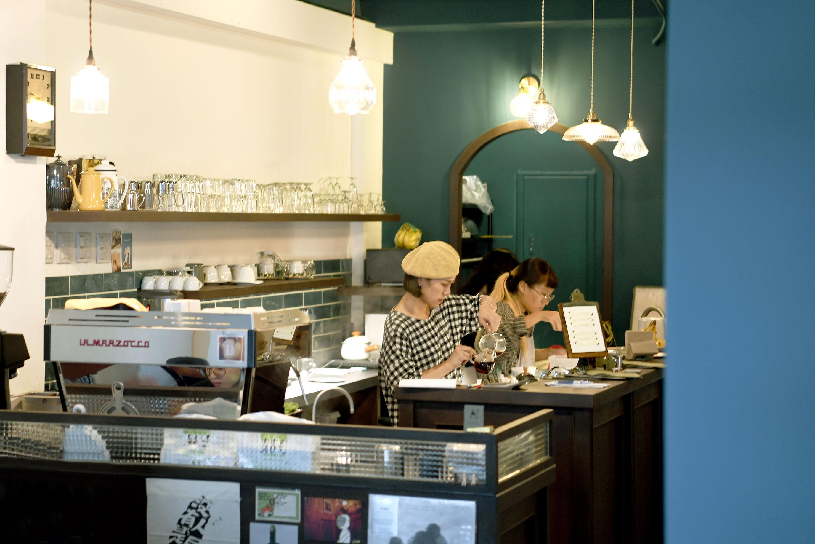 網站近期文章:台北中山二樓老屋咖啡館,有一點咖啡香光影|二會 gojiby