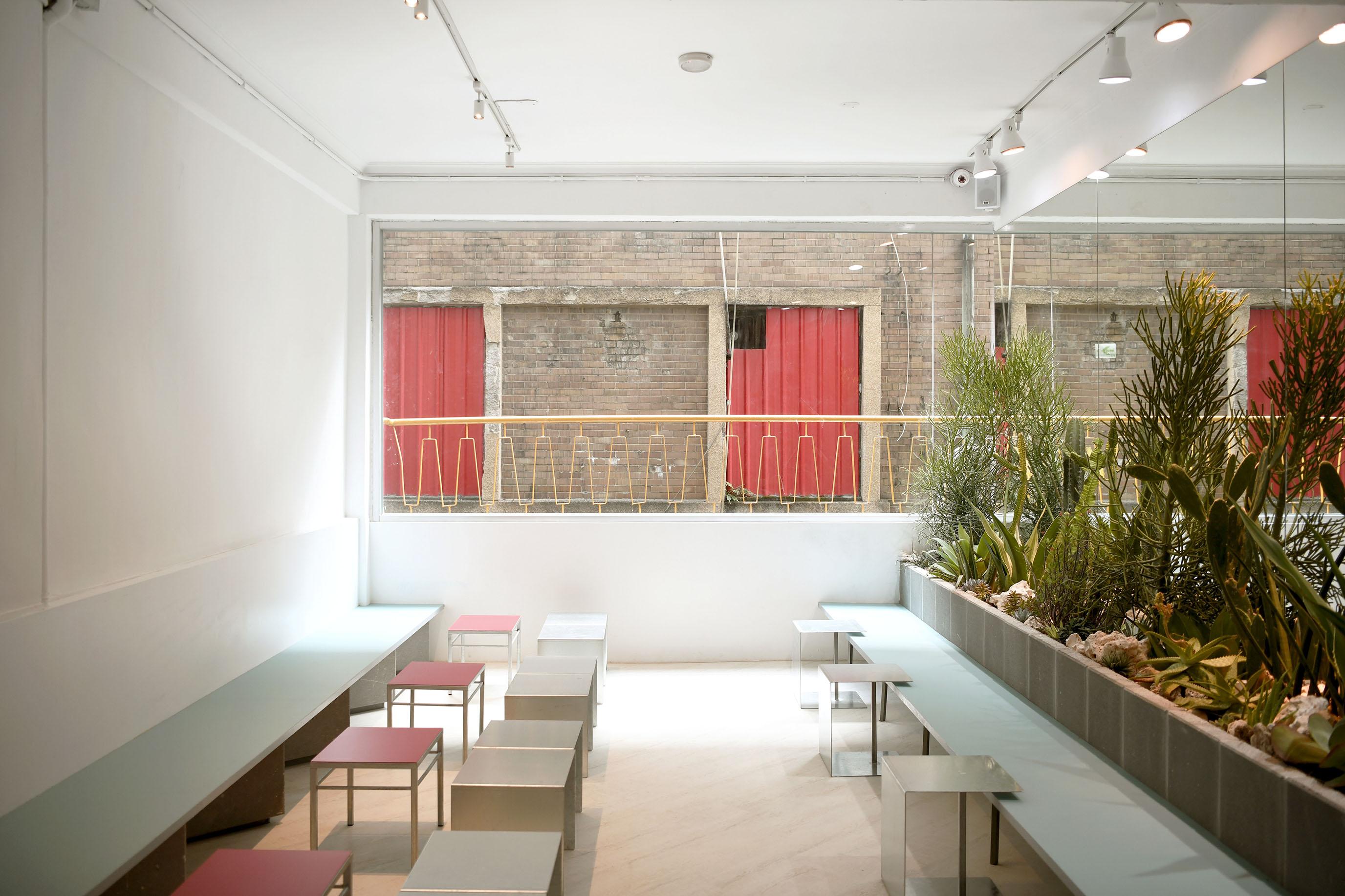 網站近期文章:在西區舊樓裡,拼湊出自在的色調|Cafe tailuu 西門町咖啡