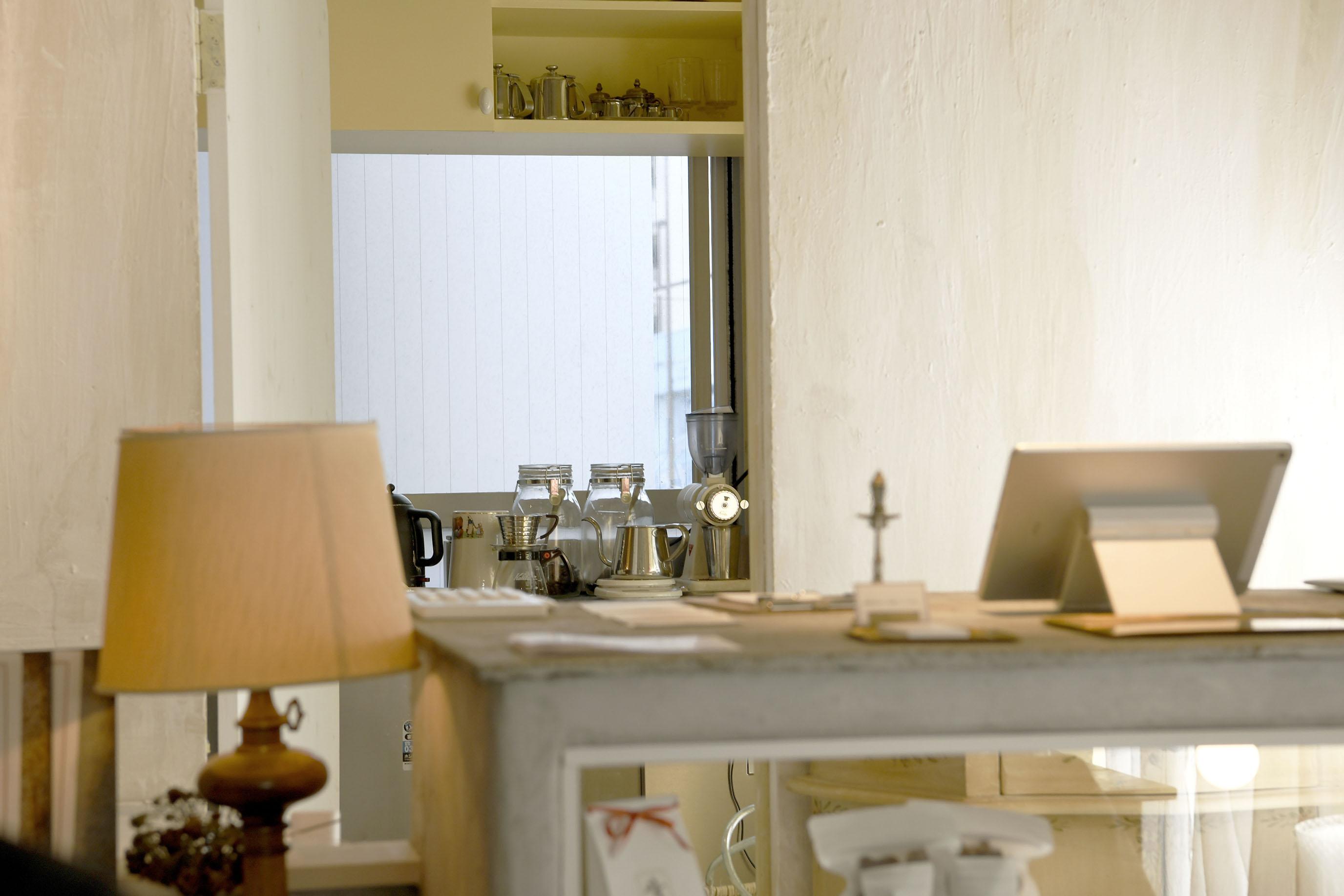 夏綠蒂的房子,苦醇咖啡裡的沉靜洋菓子店|東京澀谷區 maison de charlotte