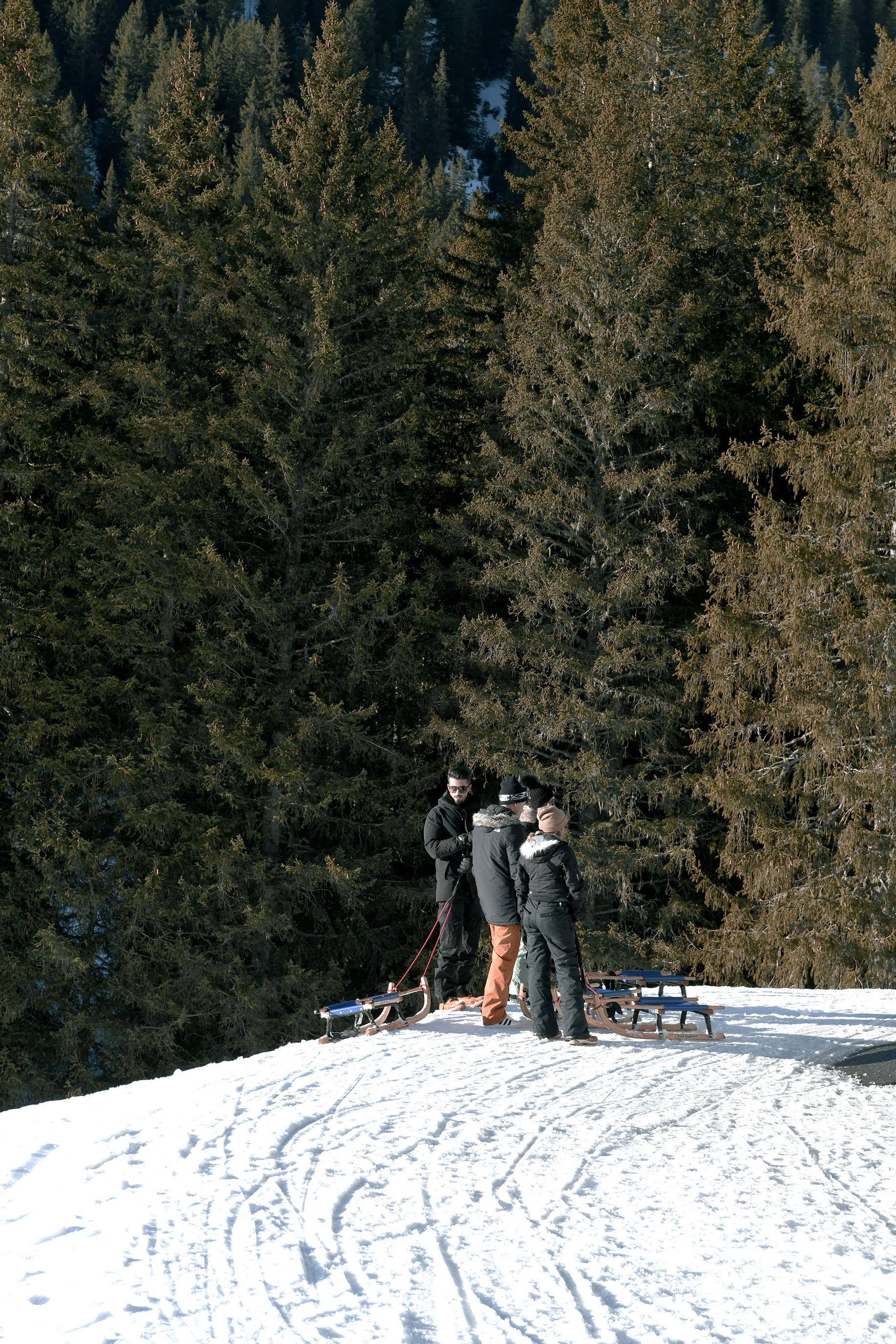 像黑鳥般翱翔,在雪白山嶽|瑞士費斯特懸崖天空步道(First cliff walk)