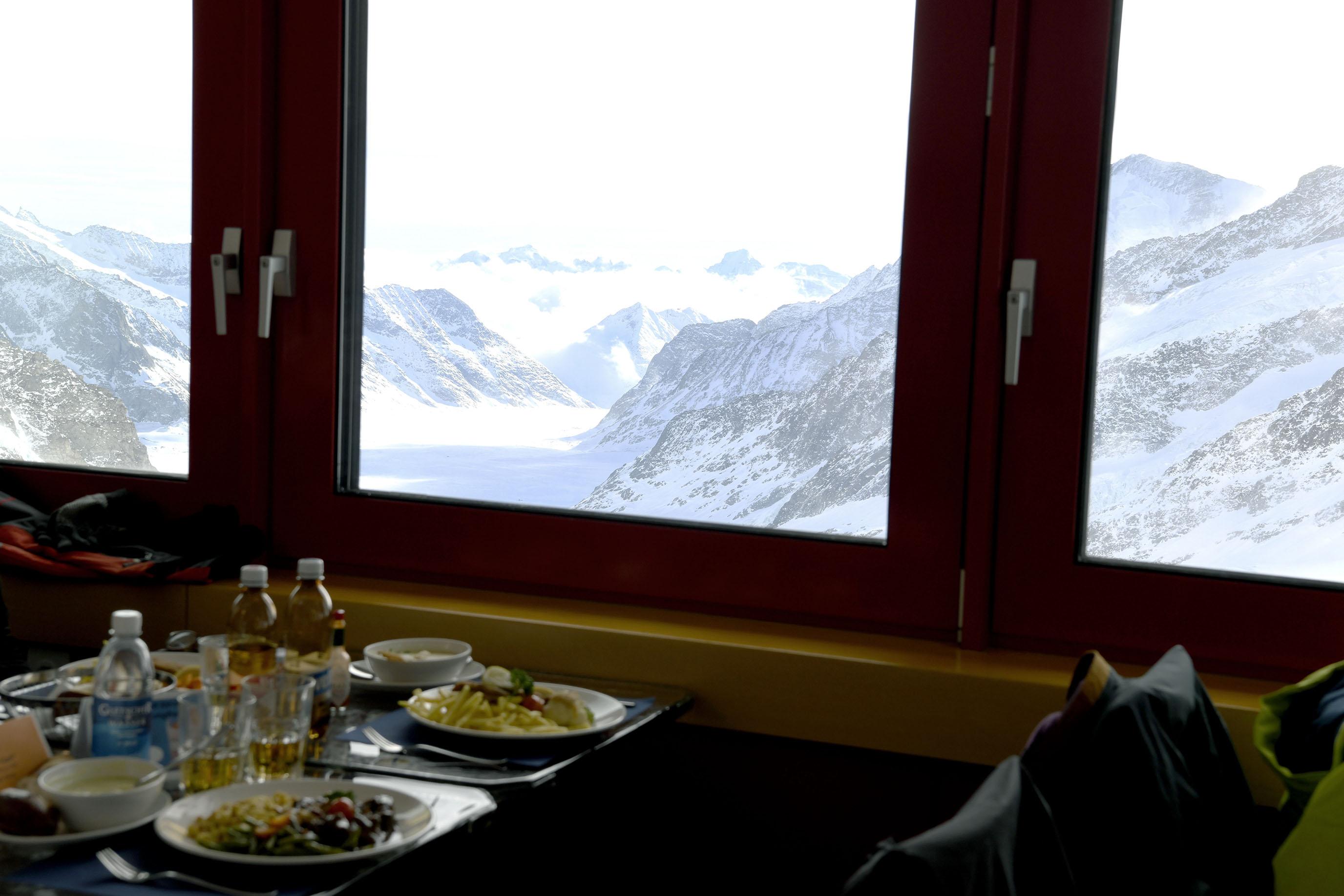 旅行心願解鎖,無比震撼的雪白冰川山巒|瑞士少女峰