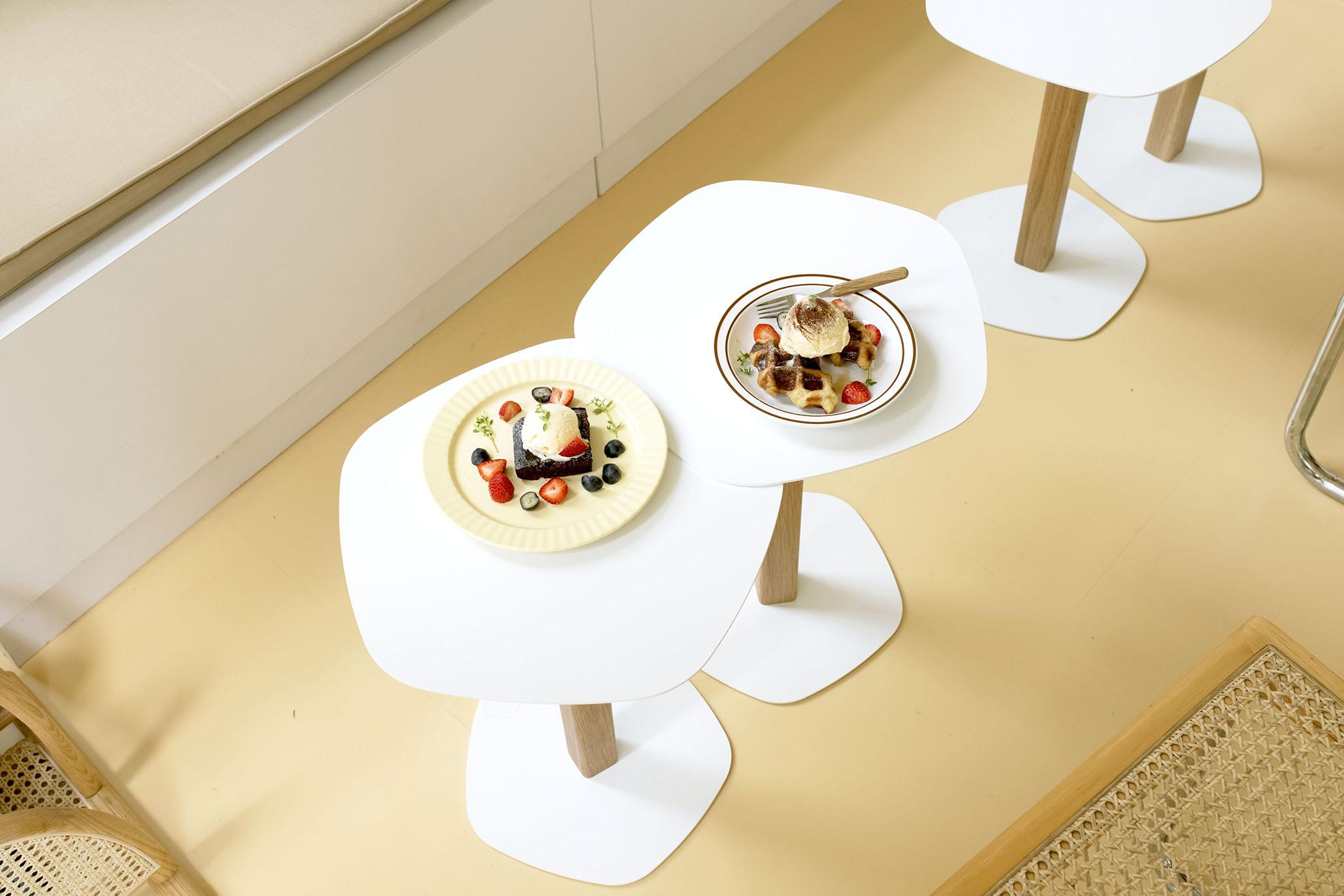 在 Nu Studio,找一張喜歡的設計師椅坐下。