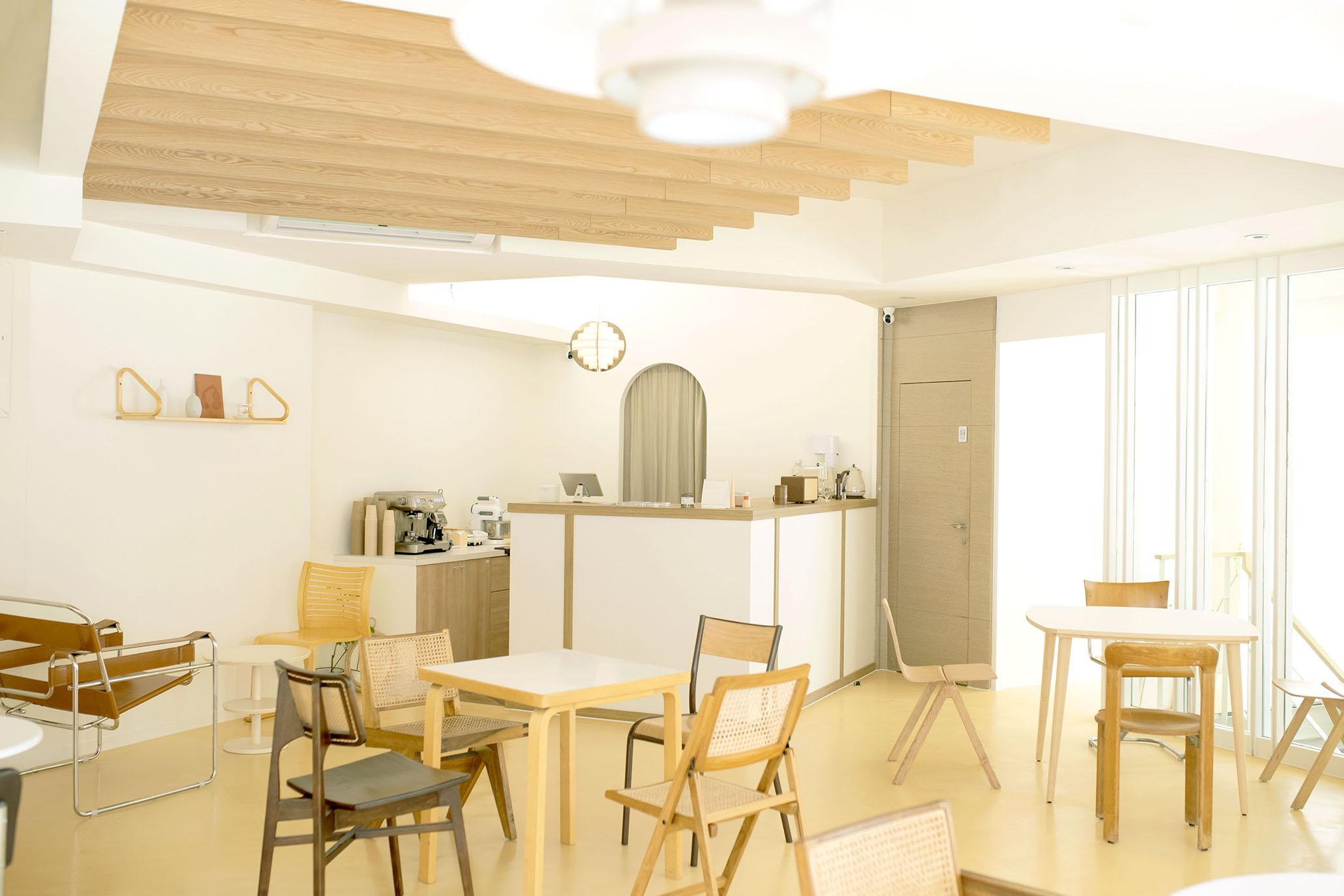 在 Nu Studio,找一張喜歡的設計師椅坐下。 @MENS 30S LIFE