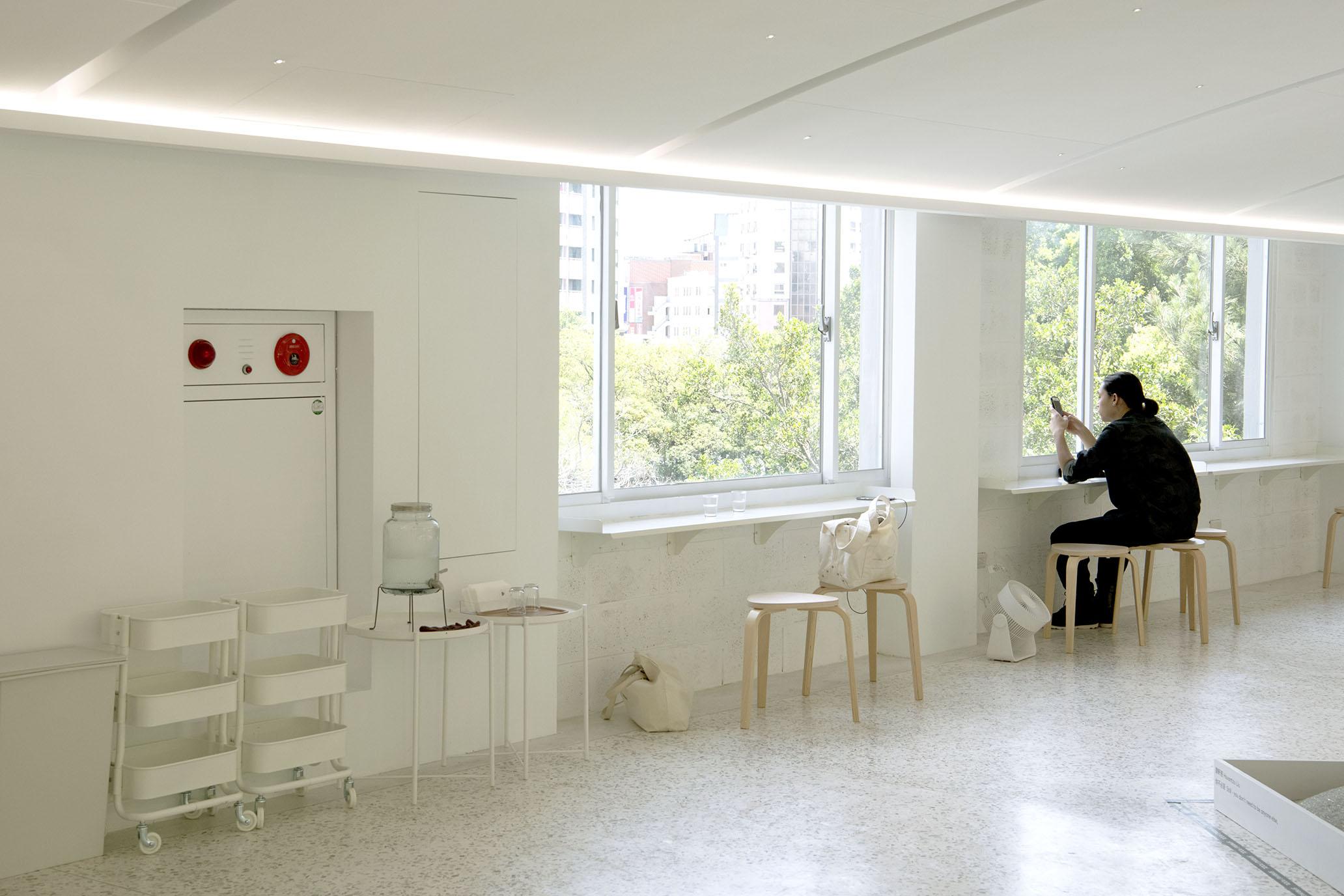 網站近期文章:新竹春室,夏至裡感受玻璃的各形思緒與聲息。