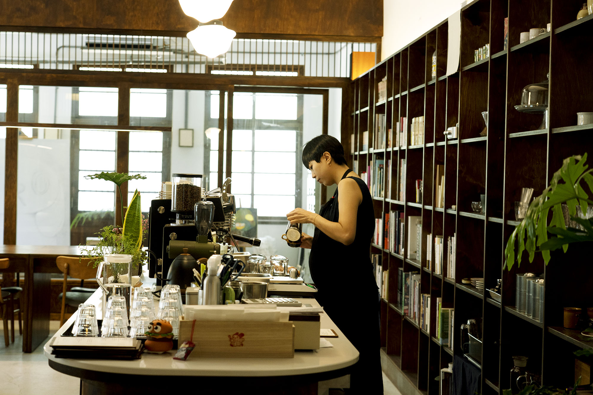 台北 玉虫畫室咖啡|沈浸在小小的世界裡,互不打擾。