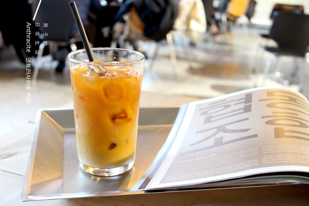 【男子首爾旅行】Anthracite Coffee Roasters 앤트러사이트 커피,叢林藝術空間裡的咖啡香,探窗慢慢品味黎泰院的每個季節風景。 D&DEPARTMENT SEOUL @MENS 30S LIFE