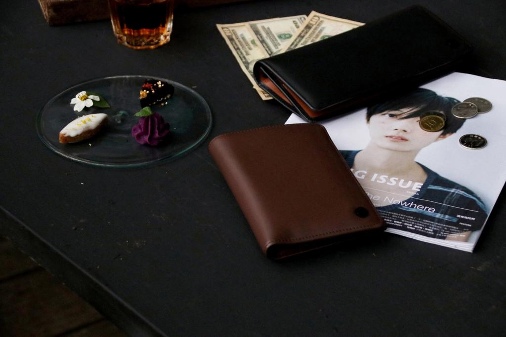 S'AIME 東京企劃,男子有感日常配件,品味講究不一定只能絕對昂貴。男用真皮長夾/護照夾【男子的日常生活】 @MENS 30S LIFE
