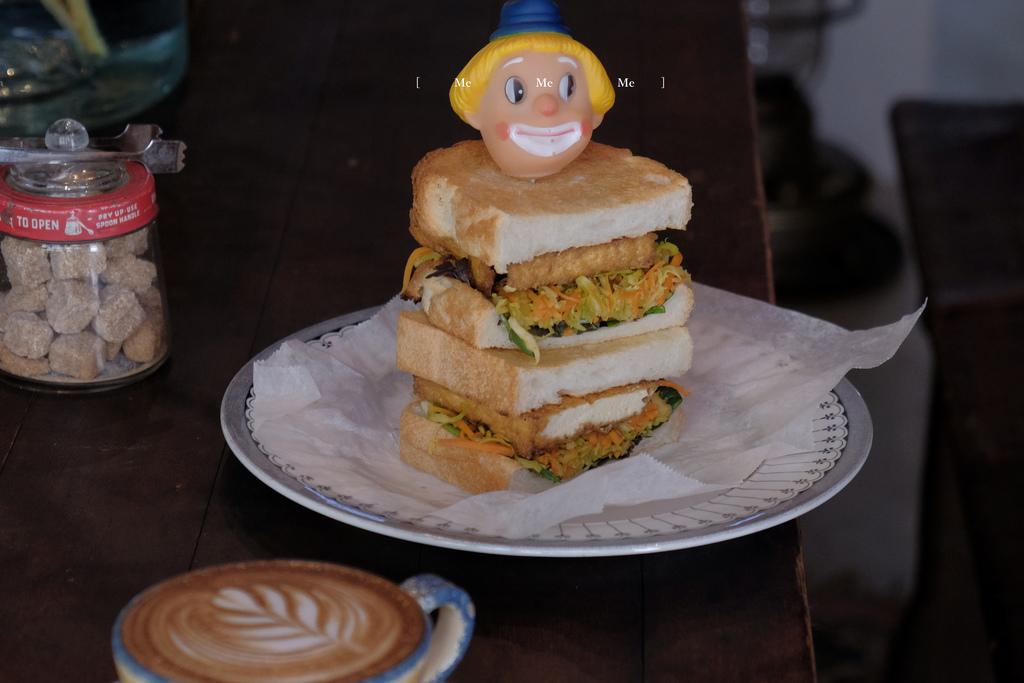 【男子日本旅行】京都 ME ME ME,微笑甦醒早餐,點一份小丑三明治和一杯熱咖啡。河原町美食/京都早餐/HORIZON-WIFI @MENS 30S LIFE