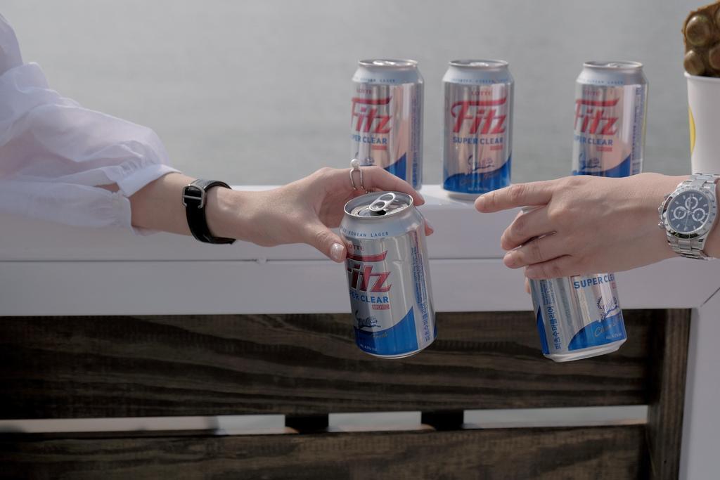 Fitz 韓國樂天費茲啤酒,4.5度微醺享受日常提案,好好招待自己的人生。FitzBeer【男子的日常生活】 @MENS 30S LIFE