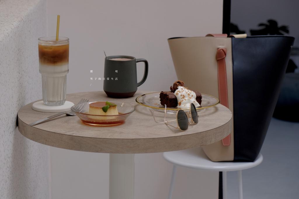 台北麓鳩,裝載甜點咖啡的白色小屋,還有悠閒的心情。松山區美食/台北下午茶【男子的日常生活】 @MENS 30S LIFE