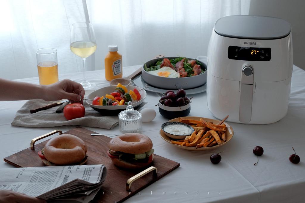 PHILIPS飛利浦健康氣炸鍋HD9642,談一場適情、穩贏的餐桌約會,放縱每一口味蕾成為輕鬆的日常吧。 @MENS 30S LIFE