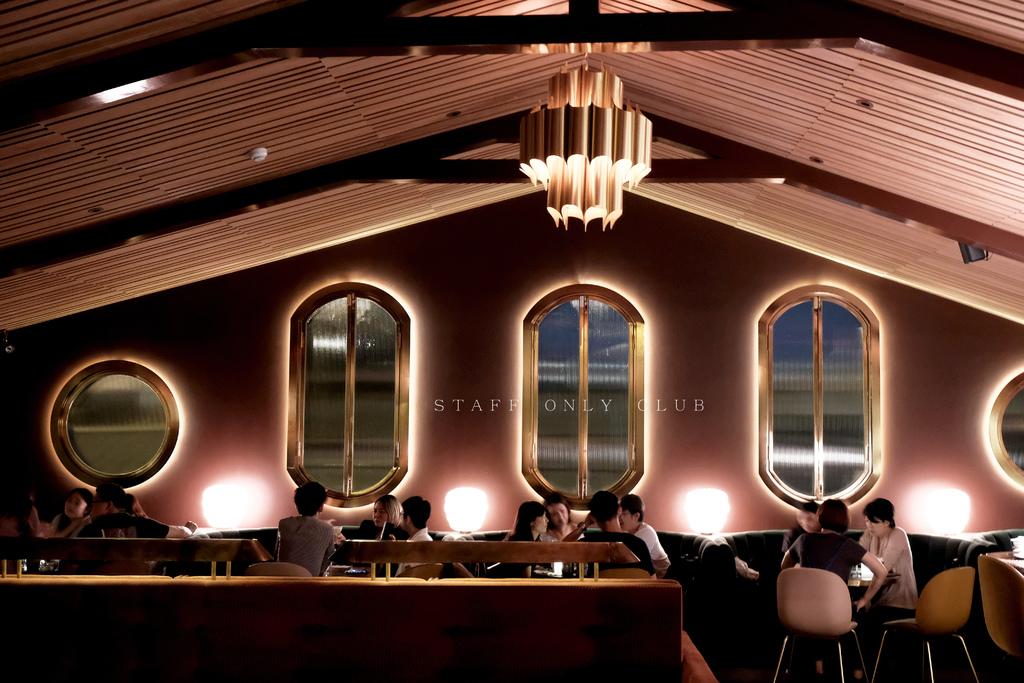 台北Staff Only Club 會員制酒吧|當夜幕低垂,我們走進曖昧奢華交換許久不見的心情。 @MENS 30S LIFE